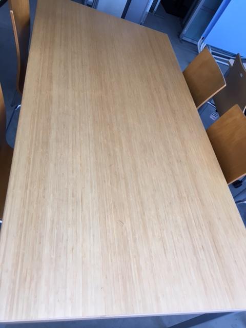 木目テーブル1