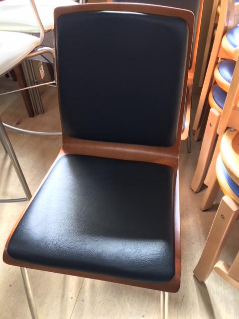 黒木製椅子1
