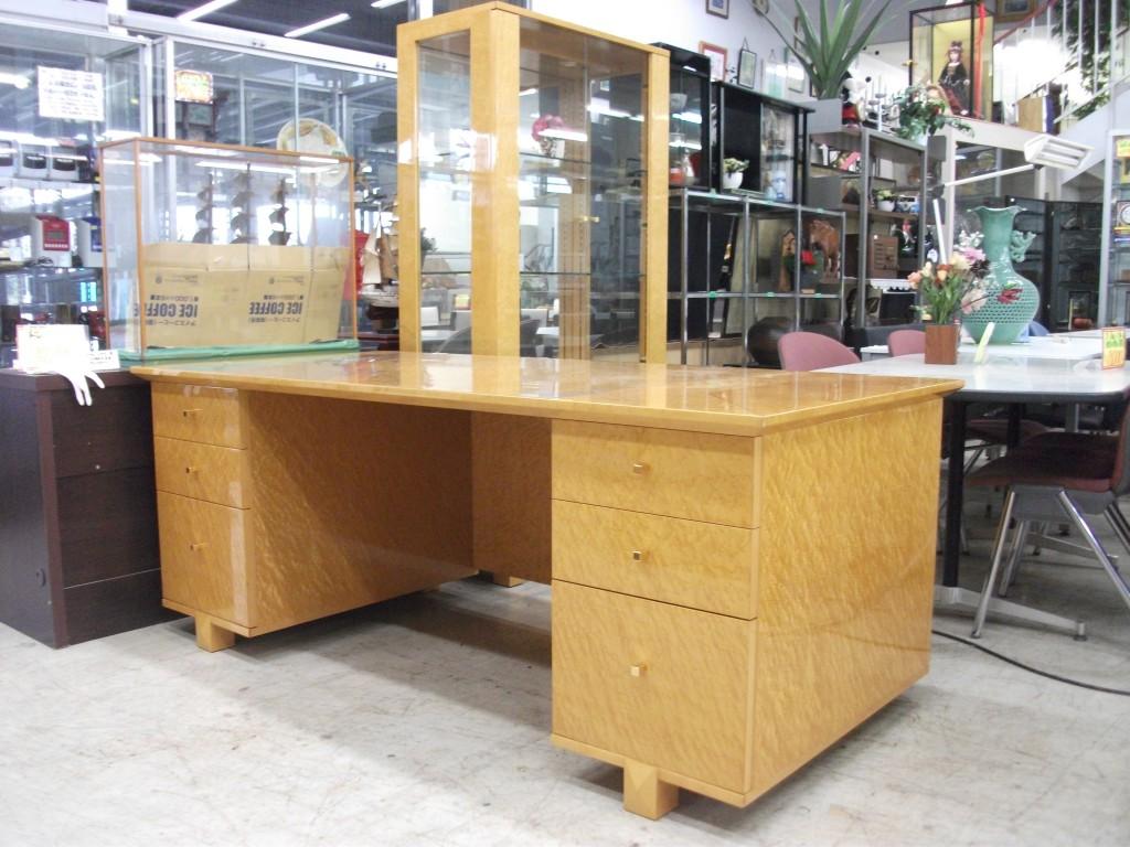 190幅の木製高級机
